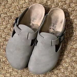 Betula by Birkenstock taupe clog